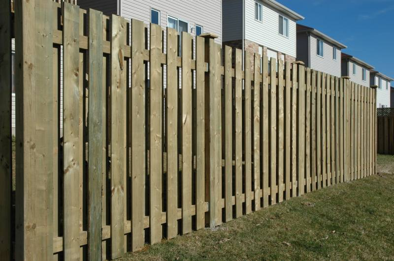 how to build 6' wood fence